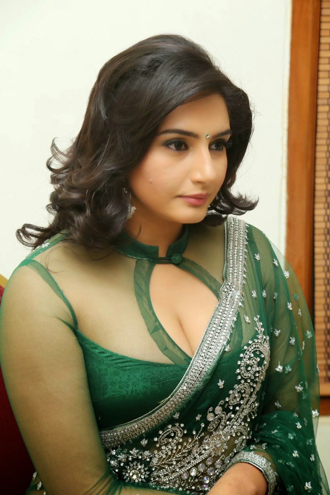 Indian cleavage show