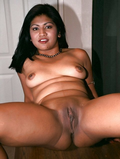 Shaved mexican mature pussy